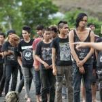 インドネシア、アチェ州でイスラム法に潰されていくパンクバンド。最後の19組を追う。