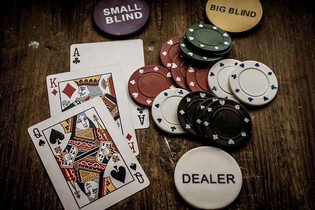 ポーカーのポジションの意味・名称