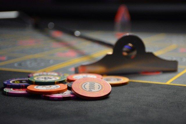 ポーカーのポジションの有利・不利