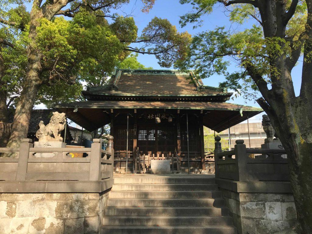氷川神社の境内:北千住のひとり旅・散歩・観光スポット