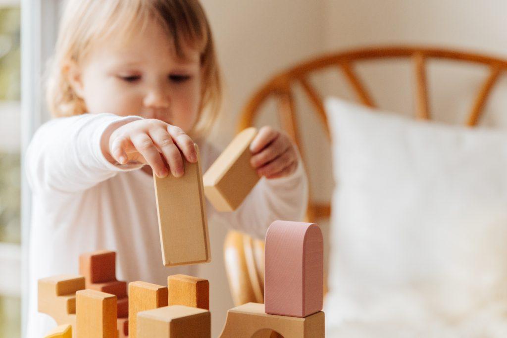 ボードゲームの選び方:対象年齢(子ども向け・大人向け)で選ぶ