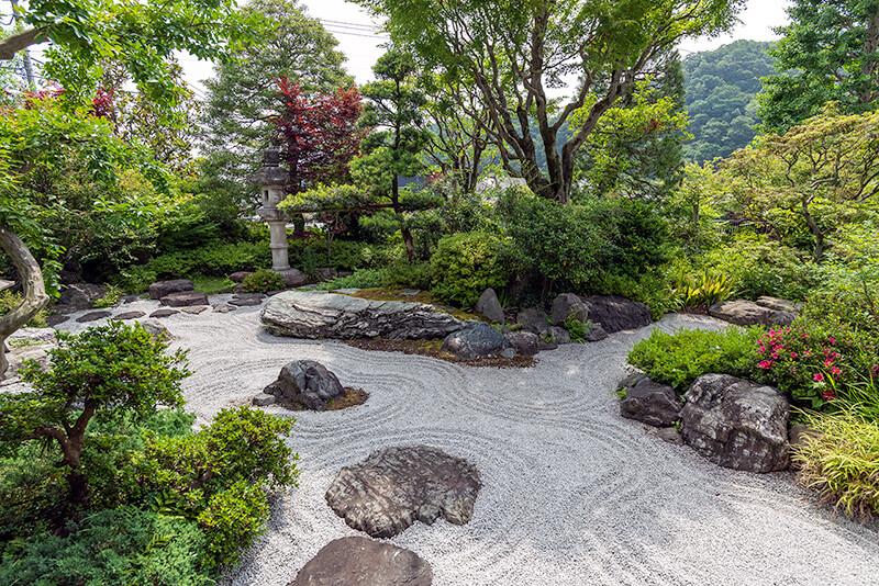 高尾駒木野庭園(東京)の枯山水庭園
